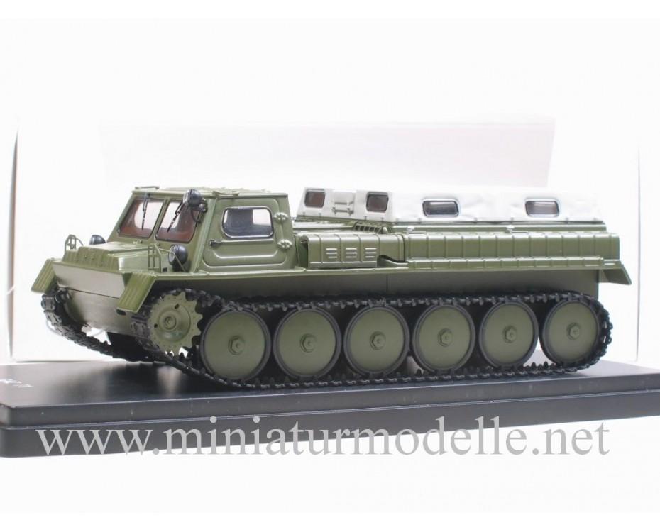 1:43 GAZ 71 Kettenfahrzeug Pritsche Plane, militär