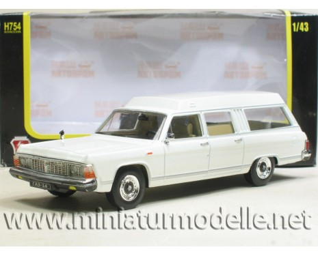 1:43 GAZ 14 Chaika RAF 3920 white