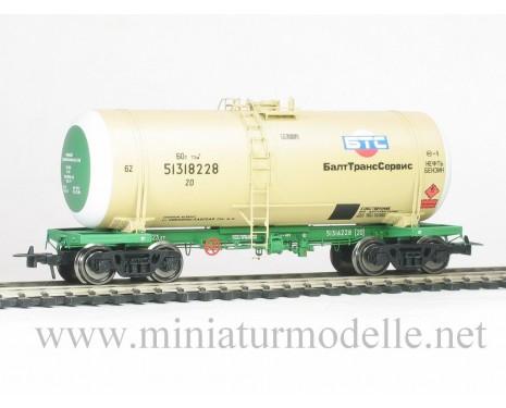 1:87 H0 Kesselwagen mod. 15-1443 BaltTransServis zum Transport von Benzin, beige, RZD 5. Epoche