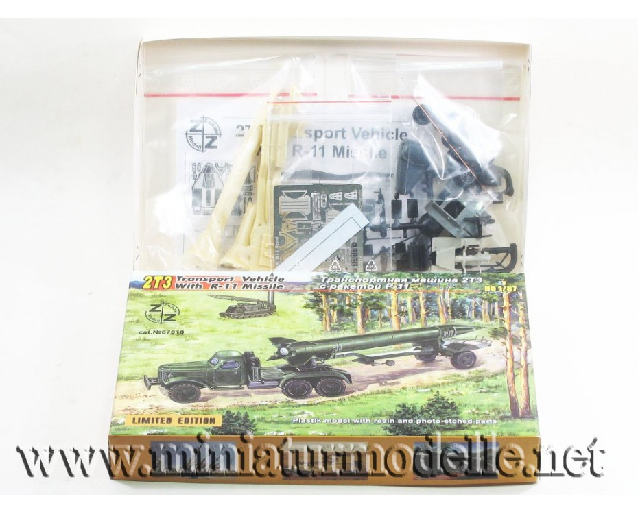 H0 1:87 ZIL 157 2T3 transport truck with R-11 missile, military, small batches model