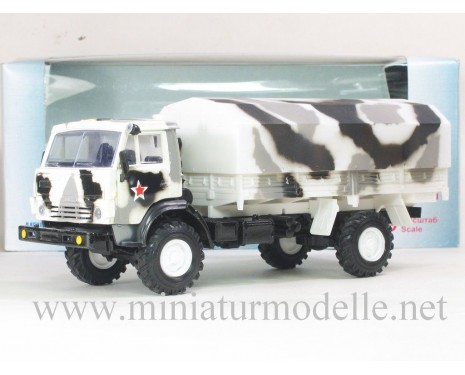 1:43 KAMAZ 4326 truck with canvas top camouflage white military
