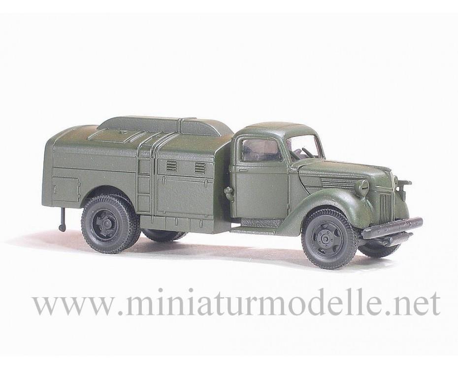 H0 1:87 Ford V 3000  Treibstofftankwagen, Militär grün