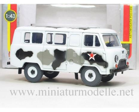 1:43 UAZ 3962 Bus, Tarnanstrich Militär weiss
