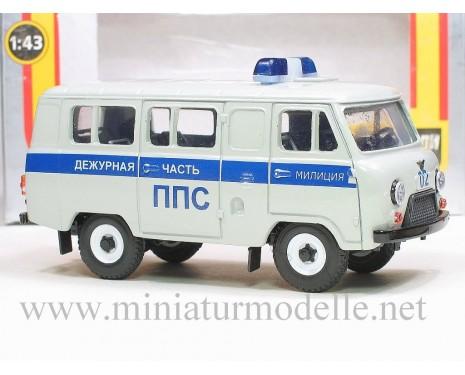 1:43 UAZ 3962 Polizei PPS Bus grau