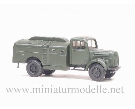 H0 1:87 MB 311 Treibstofftankwagen, Militär grün