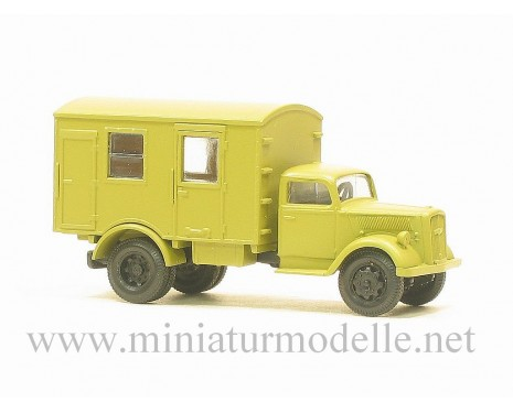 H0 1:87 Opel Blitz closed side military beige