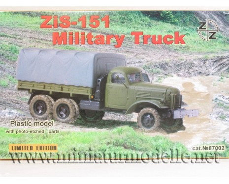H0 1:87 ZIS 151 truck with canvas top military