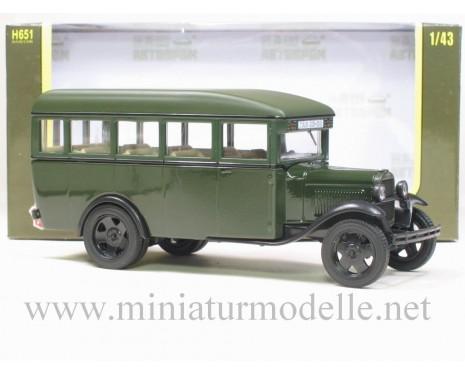 1:43 GAZ 03-30 Bus green, glossy