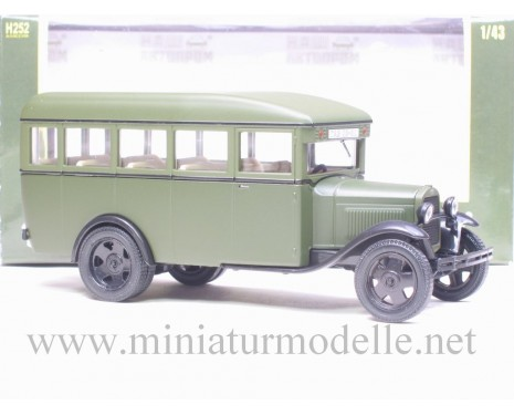 1:43 GAZ 03-30 Bus green, mat