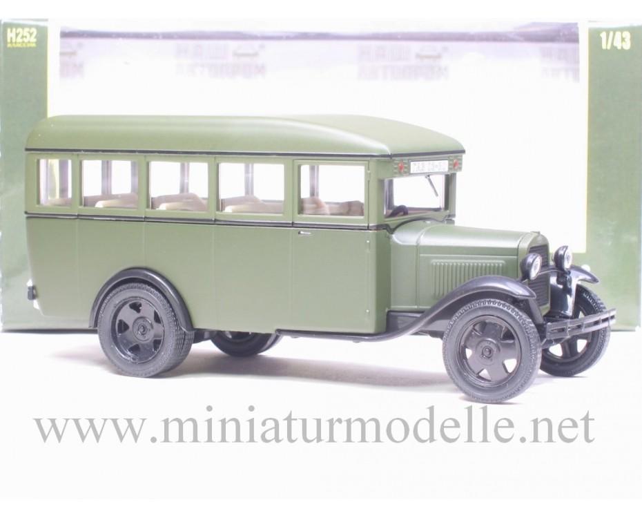 1:43 GAZ 03-30 Bus grün, mattieren
