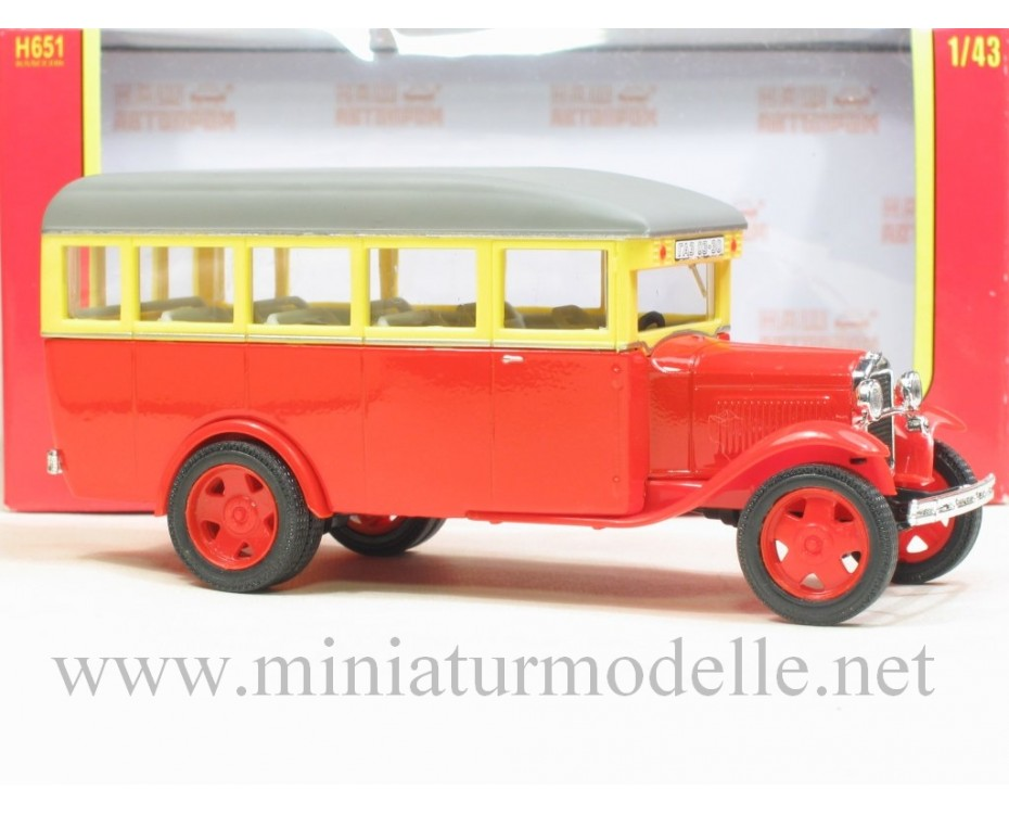 1:43 GAZ 03-30 Bus red, civil