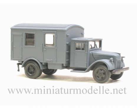 H0 1:87 Ford wood cab close side, military