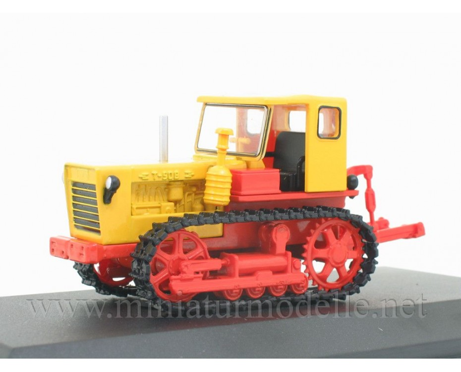 1:43 Crawler tractor T 50 V with magazine №70