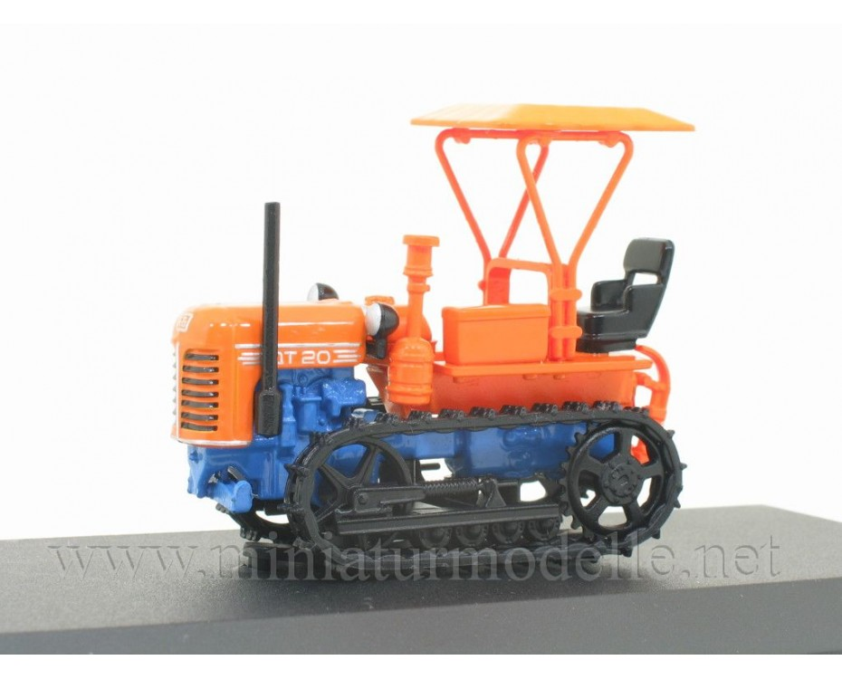 1:43 Crawler tractor DT 20 with magazine №71