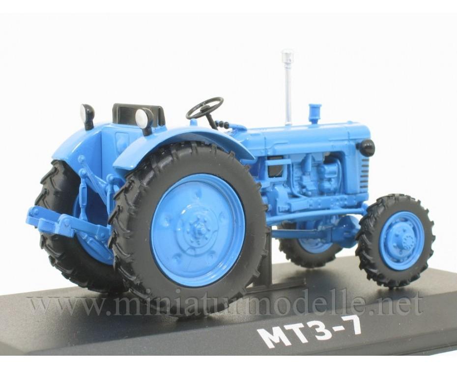 1:43 MTS 7 Belarus Traktor mit Zeitschrift #74