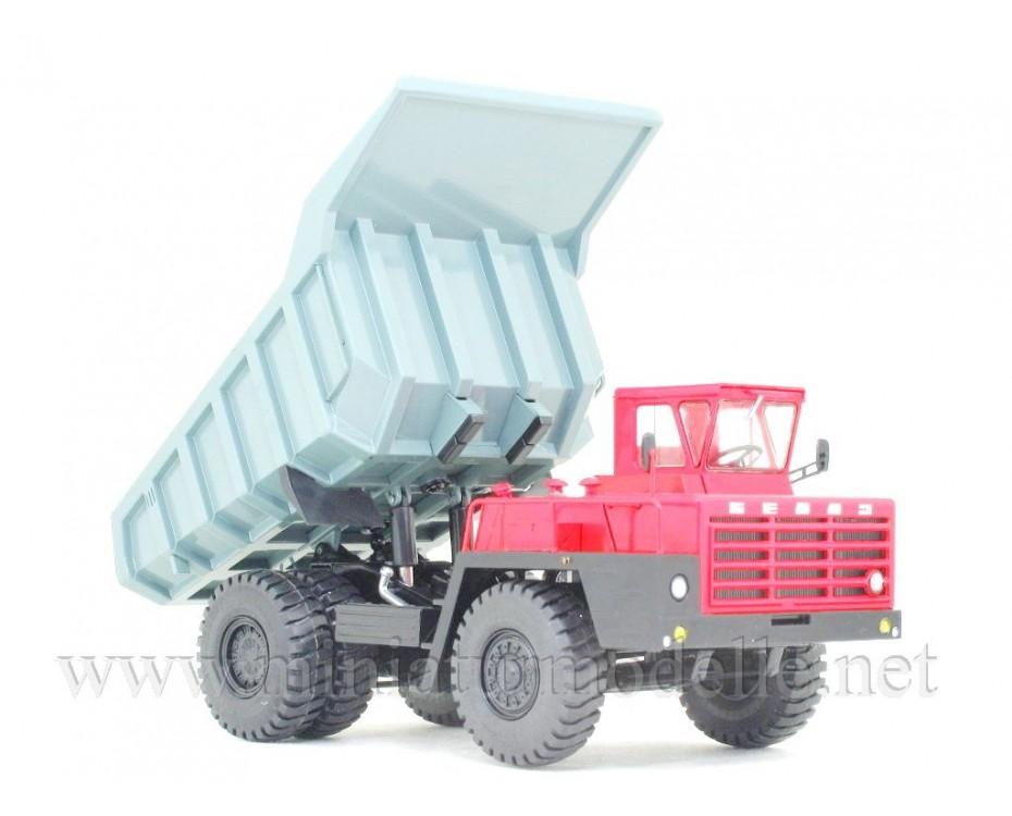 model for assembly 1//43 The team model of dump truck BELAZ-540А