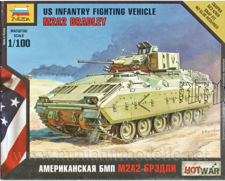 1:100 M2A2 Bradley US infantry fighting vehicle, 7406, Zvezda by www.miniaturmodelle.net
