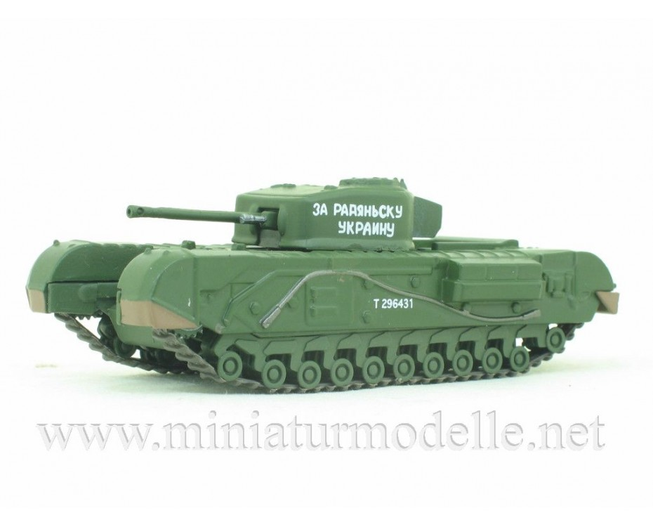 1:72 Heavy batle tank Churchill, military  with magazine #64