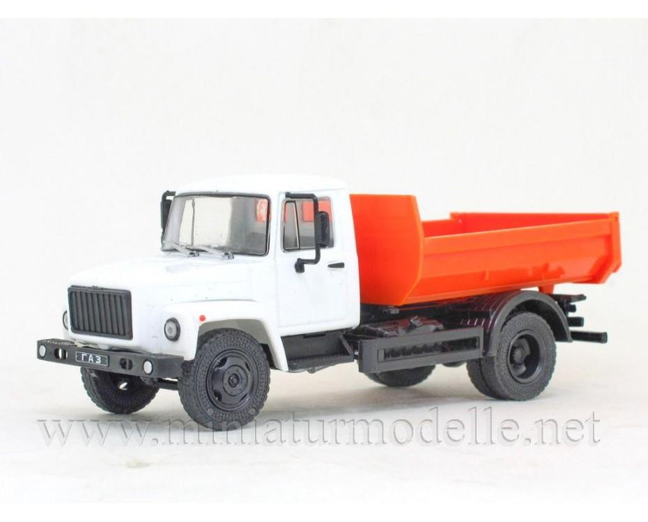 1:43 GAZ SAZ 35072 Kipper mit Zeitschrift #32