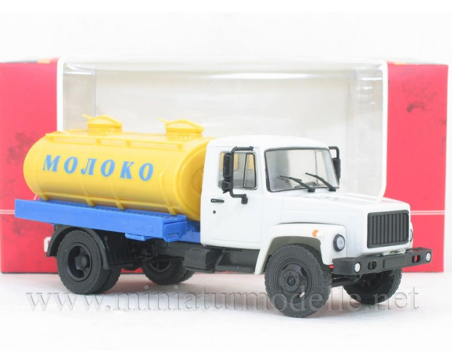 1:43 GAZ 3307 milk tanker truck G6 OTA 4,2