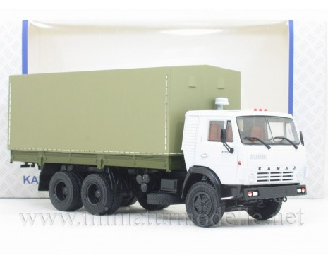 1:43 KAMAZ 53212 flatbed truck with canvas cover