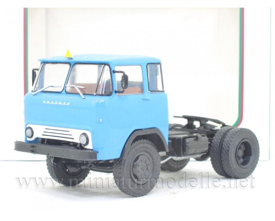 1:43 KAZ 608 tractor unit