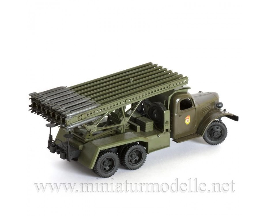 1:35 ZIS 151 with BM 13 Katyusha Stalin organ multiple rocket launcher, kit, 3521, Zvezda by www.miniaturmodelle.net