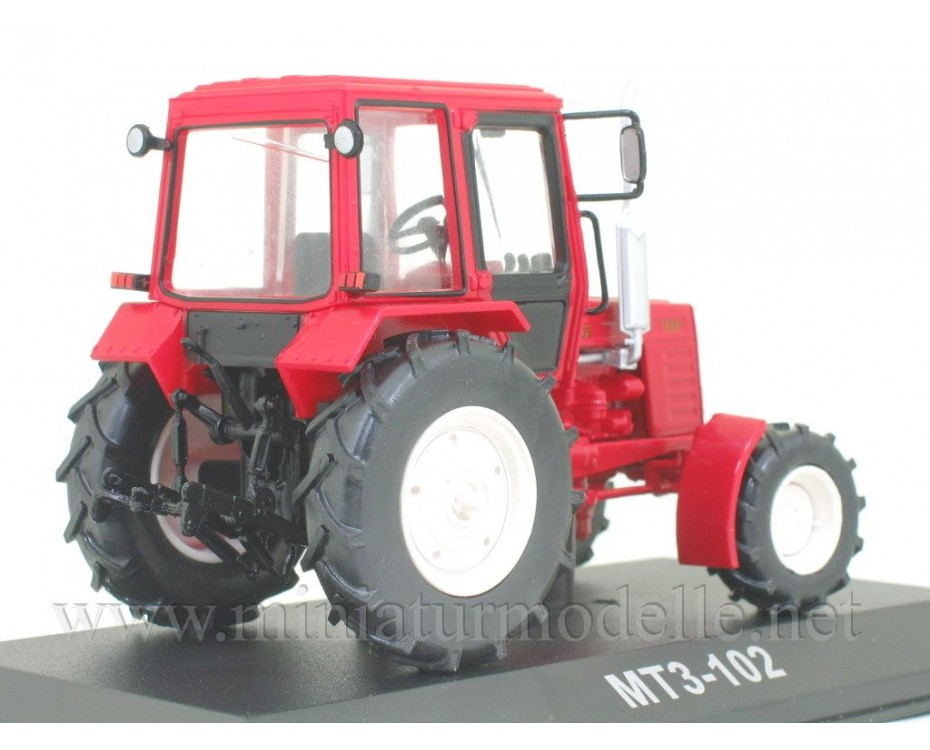 1:43 MTS 102 Belarus Traktor mit Zeitschrift #103