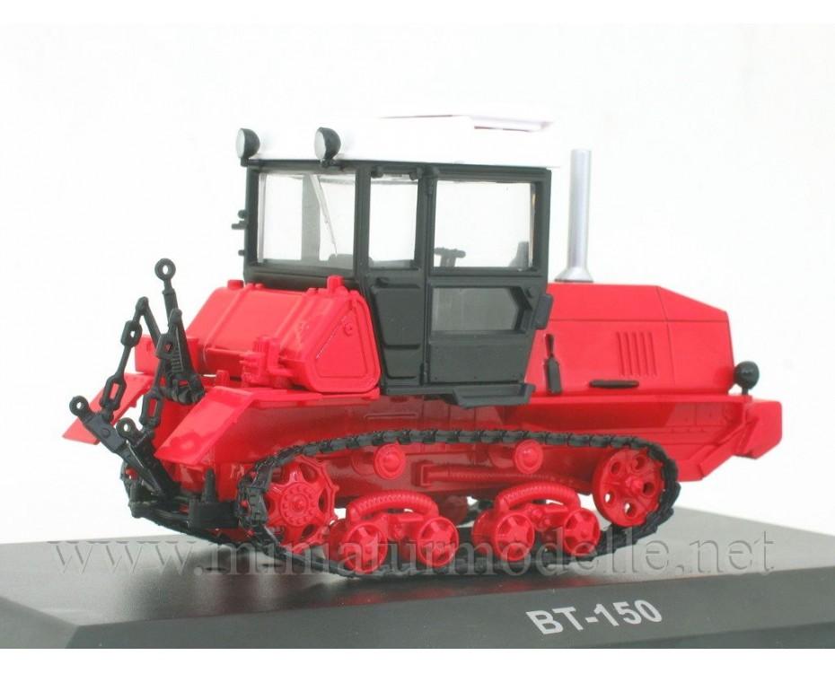 1:43 VT 150 Crawler tractor with magazine #104,  Hachette by www.miniaturmodelle.net