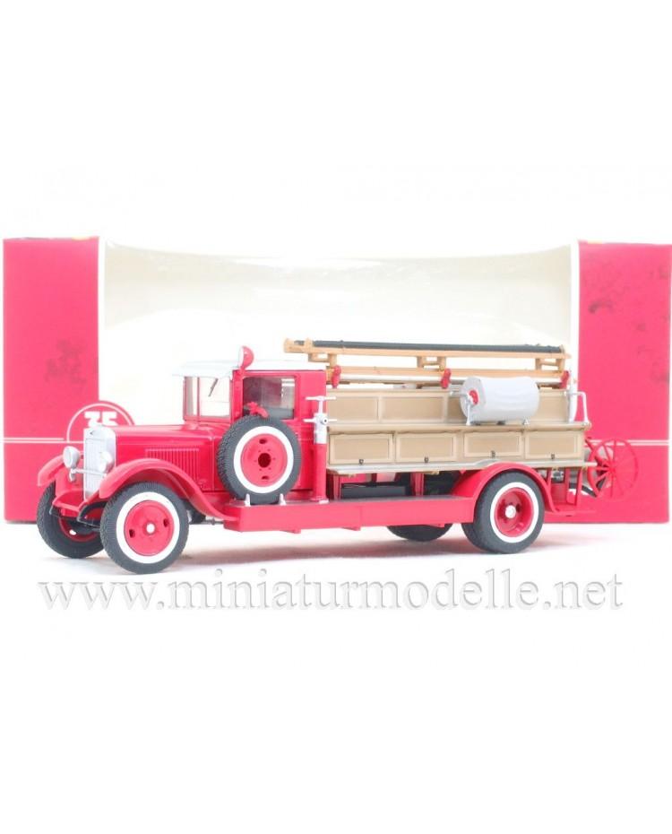 1:43 ZIS 11 fire engine PMZ 1