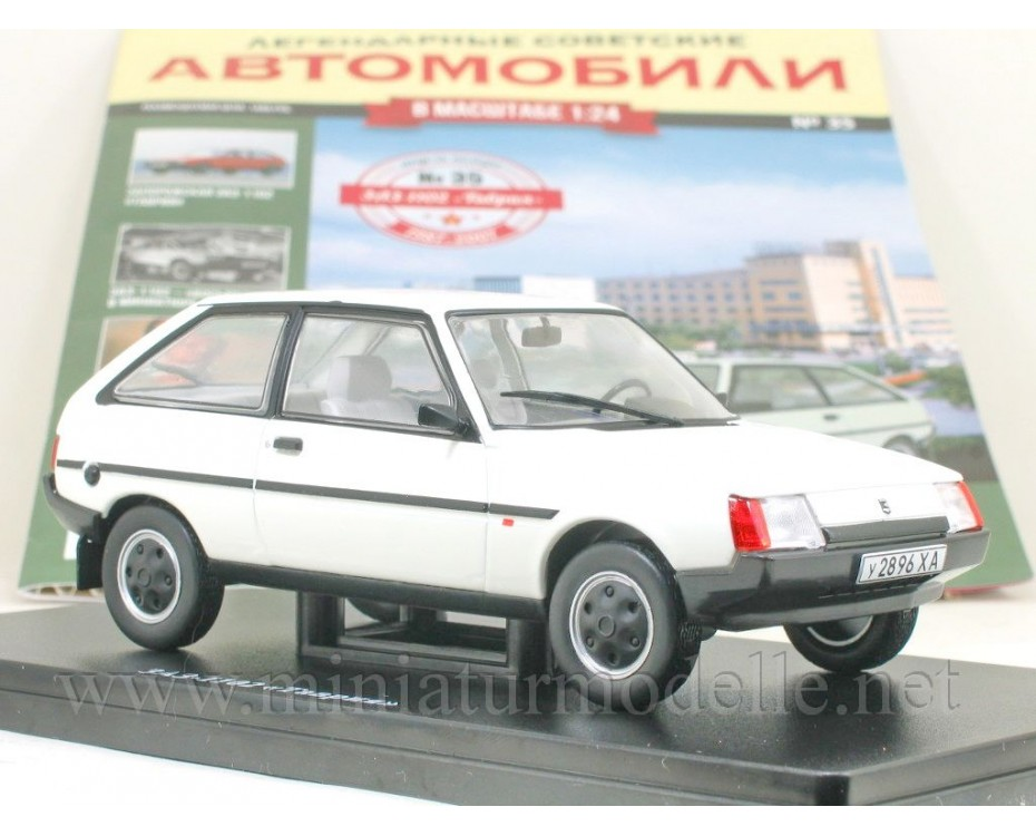 1:24 ZAZ 1102 Tavria with magazine #35