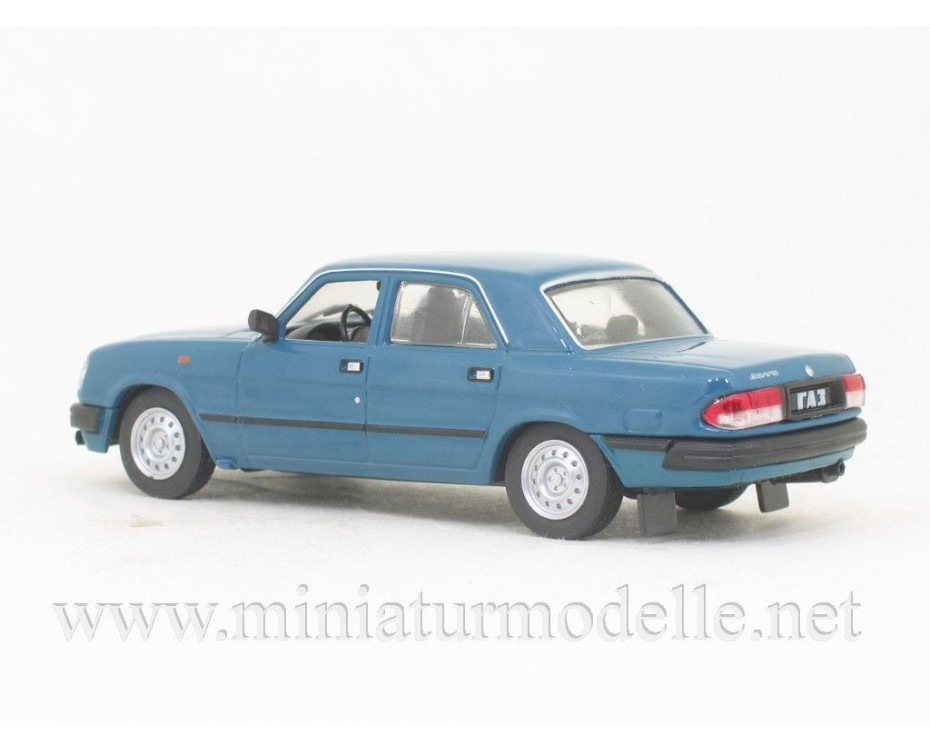 1:43 GAZ-3110 Volga with magazine #257