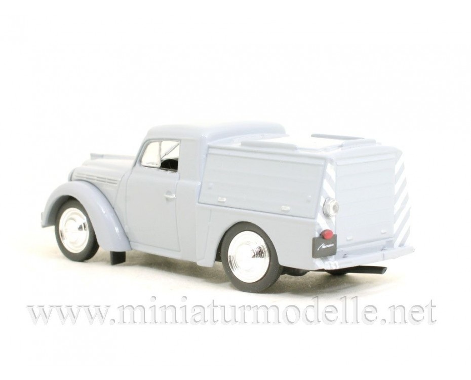 1:43 Moskvitch 400 APA-7 mobile power generator with magazine #260