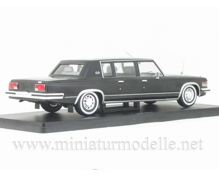 1:24 ZIL-4104 Limousine with magazine #41