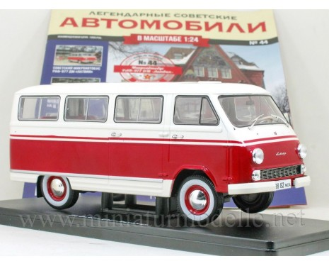 1:24 RAF-977 DM Latvia microbus with magazine #44