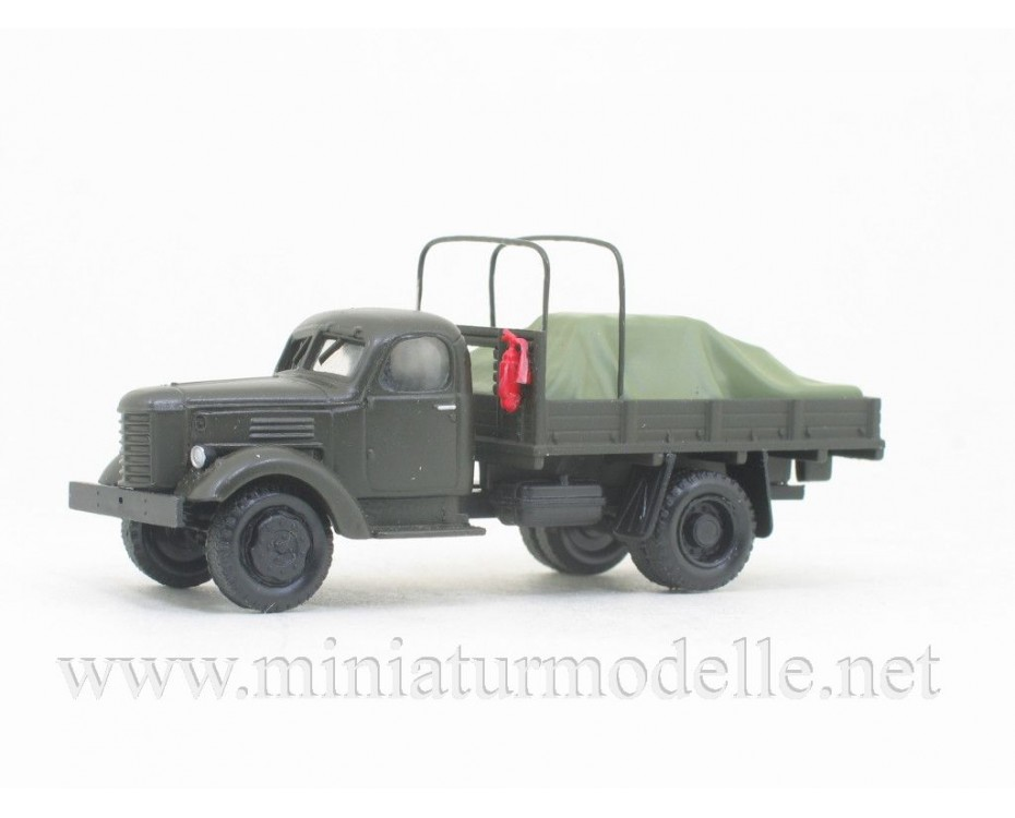 H0 1:87 ZIS 150 canvas truck with hoop tarps and load under the canvas, military