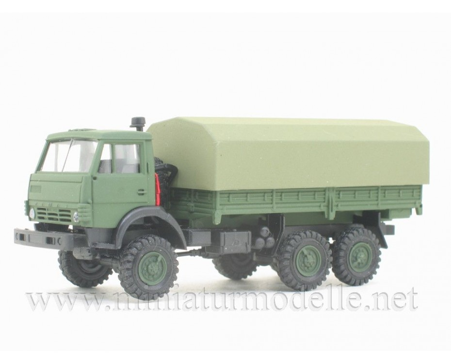 H0 1:87 KAMAZ 4310 load platform with canvas, military