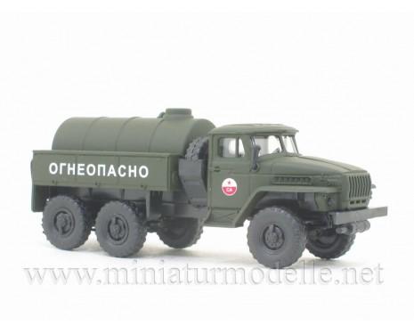 H0 1:87 URAL 4320 Tanker truck CA, military