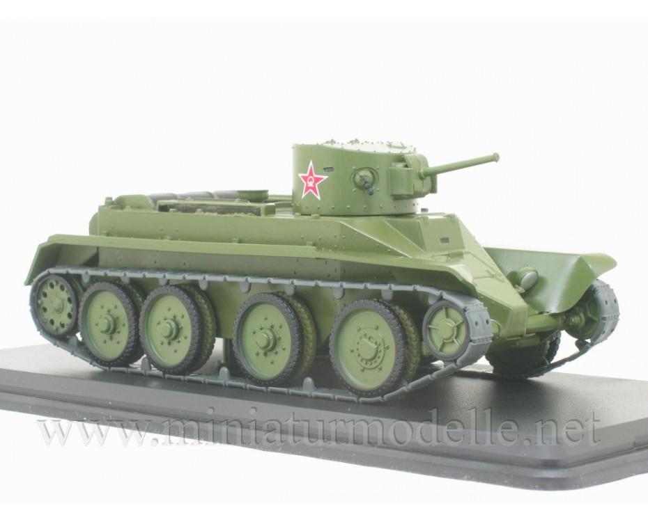 1:43 BT 2 Soviet light tank with magazine #25