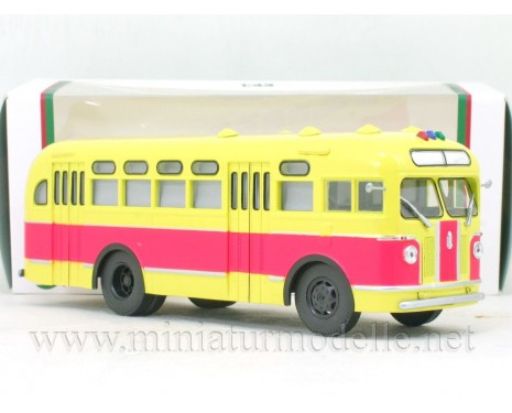 1:43 ZIS 155 bus with curtains