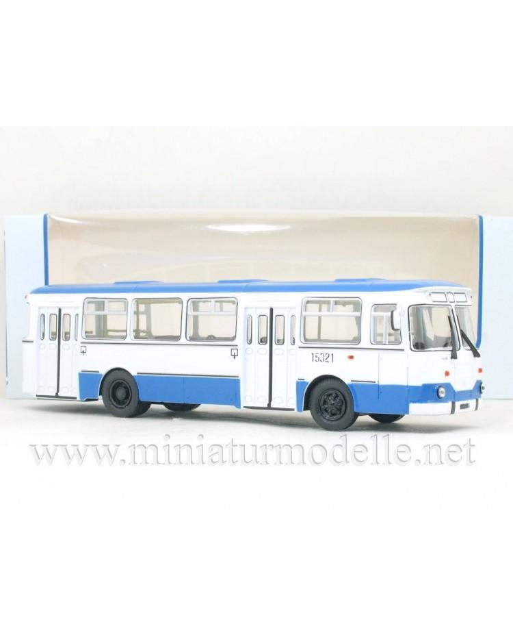 1:43 LIAZ 677 M bus white / blue