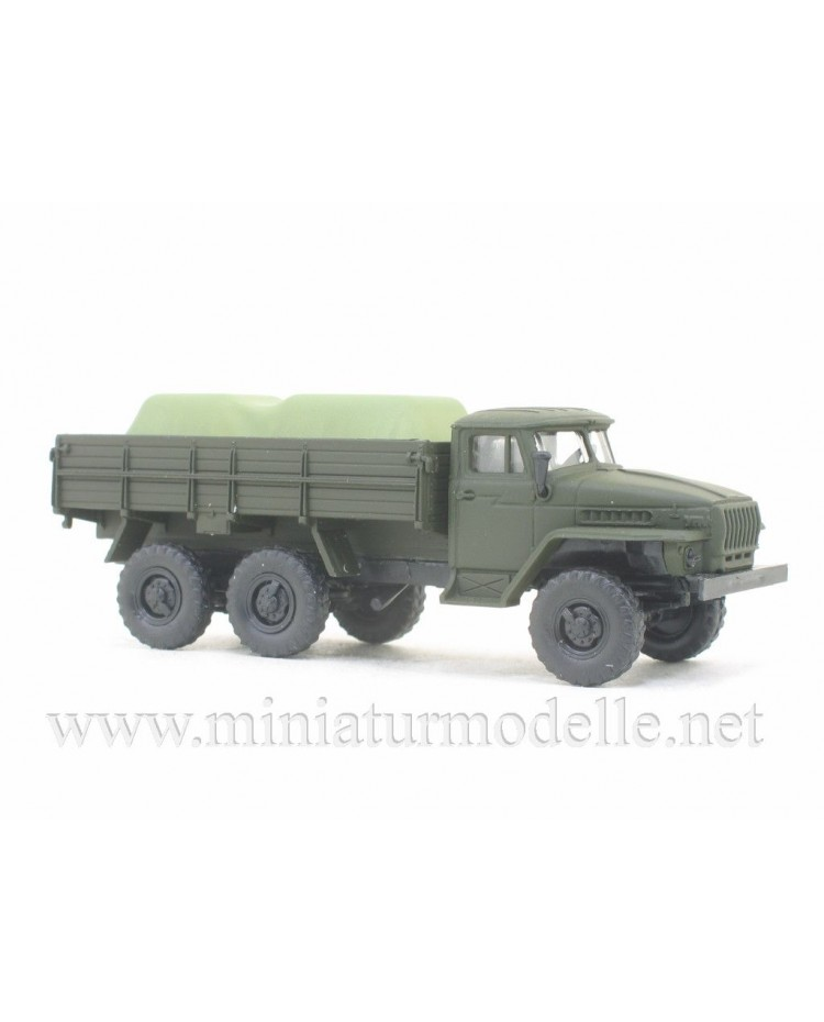 H0 1:87 URAL 4320 truck with load under the canvas, military