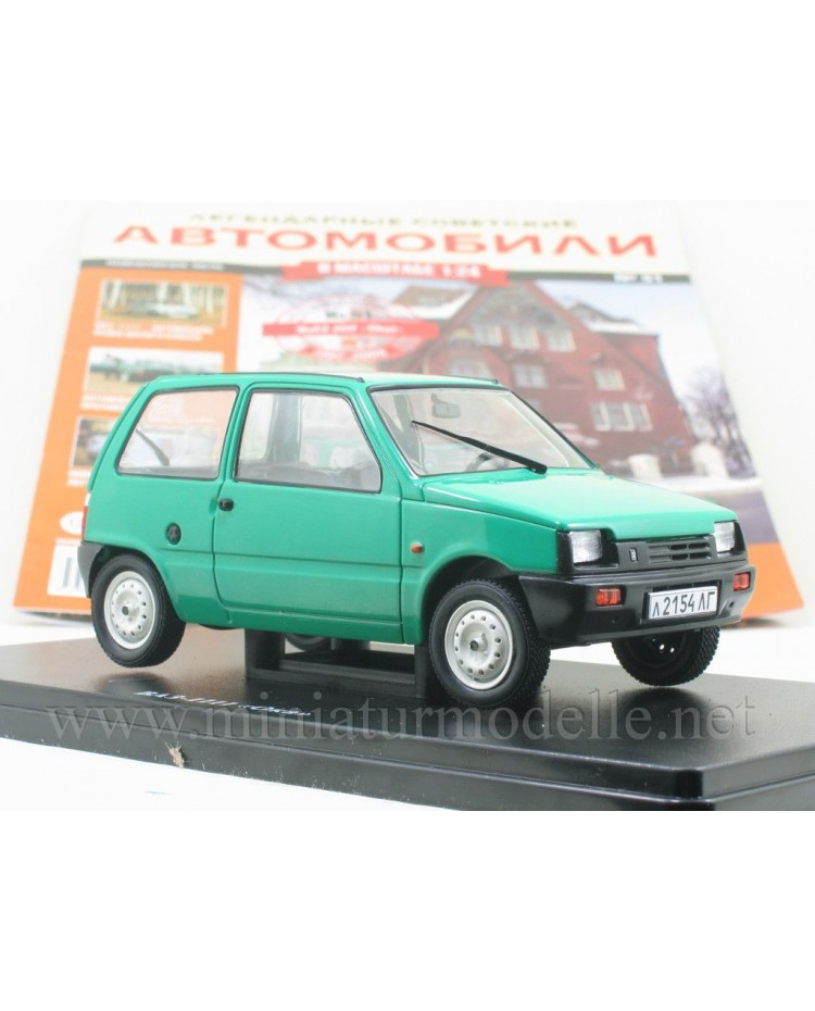 1:24 VAZ 1111 Lada Oka with magazine #51