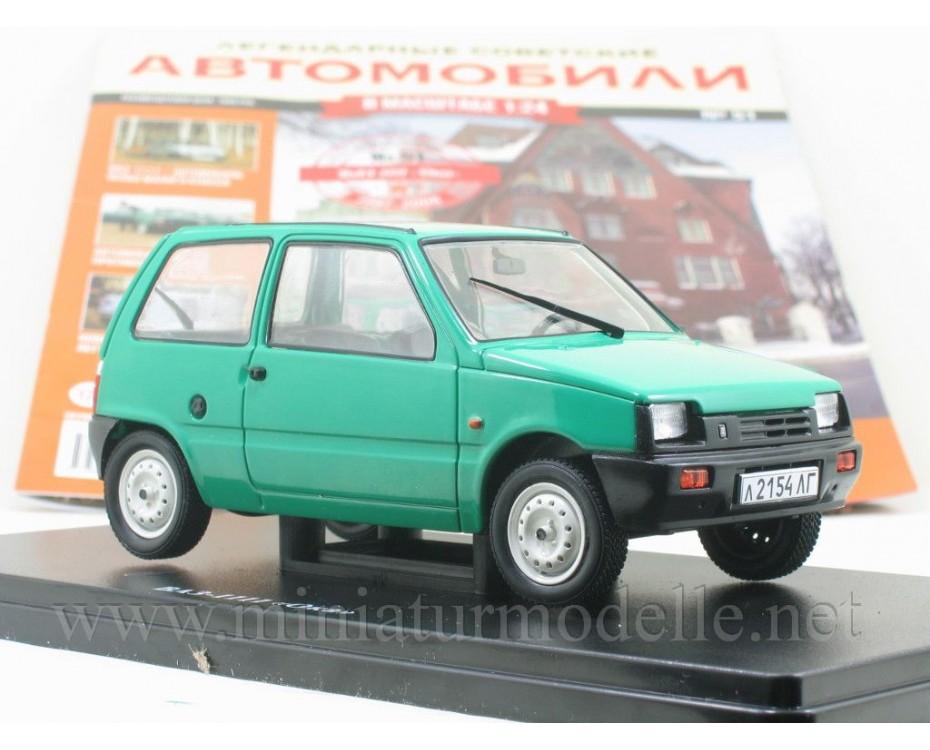 1:24 VAZ 1111 Lada Oka with magazine #51,  Hachette by www.miniaturmodelle.net