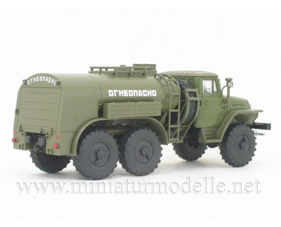 1:43 URAL 375 tank truck TZ-5 military with magazine #10,  Modimio Collections by www.miniaturmodelle.net