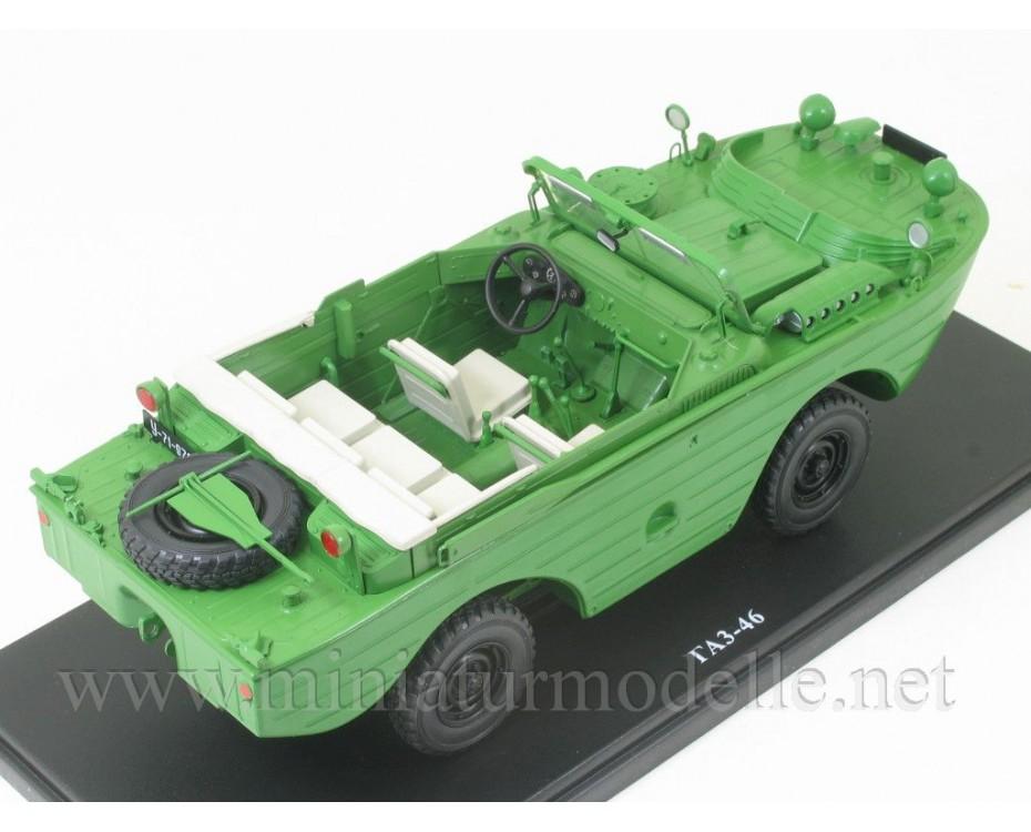 1:24 GAZ 46 four-wheel drive amphibious military vehicle with magazine #53