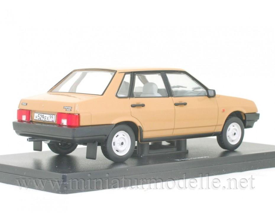 1:24 VAZ 21099 Lada Samara with magazine #55,  Hachette by www.miniaturmodelle.net