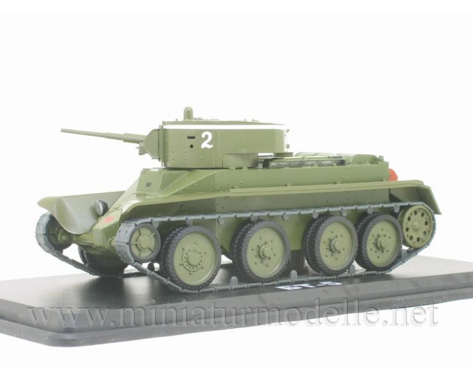 1:43 BT 5 Soviet light tank with magazine #35