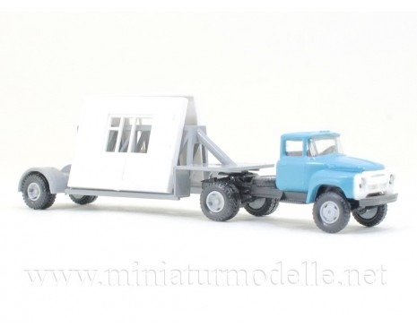 1:120 TT ZIL 130 with trailer and building elements, civil