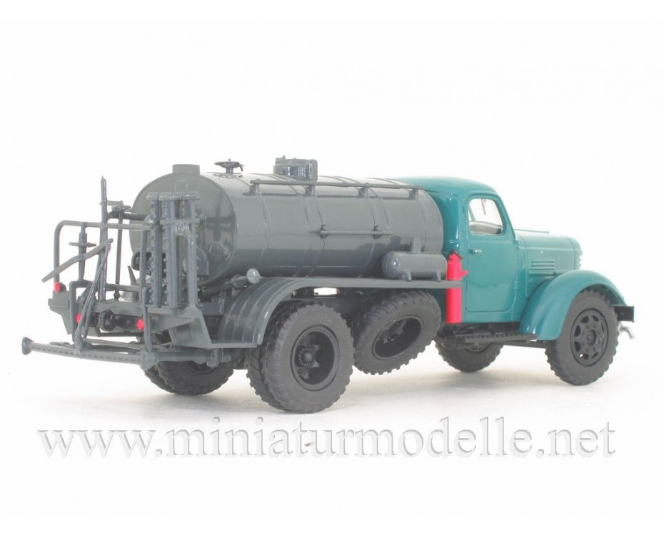 1:43 ZIS 150 asphalt distributor truck D 251 with magazine #33,  Modimio Collections by www.miniaturmodelle.net